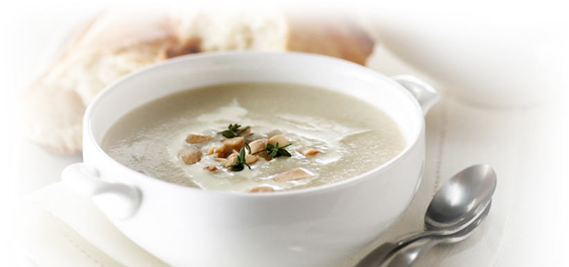 Cream of endive soup with almonds